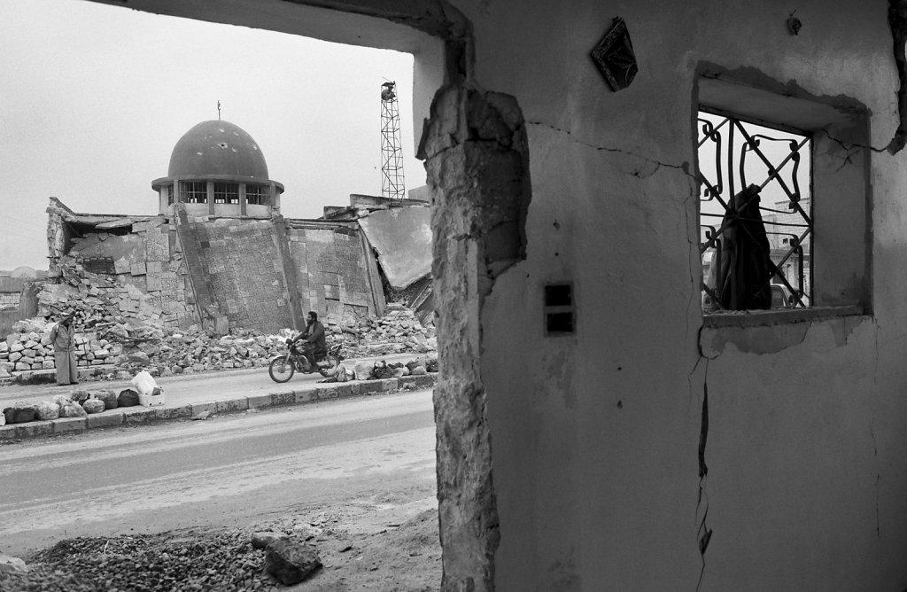 Syrien,  Ma arat Himah - nachdem ein Protestmarsch gegen dass Asad Regimes von der zentalen Moschee des Ortes ausging, wird sie vermutlich aus Rache, durch einen Luftangriff zerst?rt.