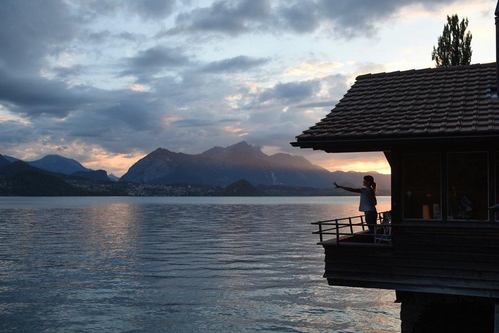 Schweiz, Thunersee, Haus am See
